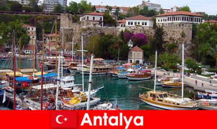 地中海沿岸的土耳其安塔利亚度假村