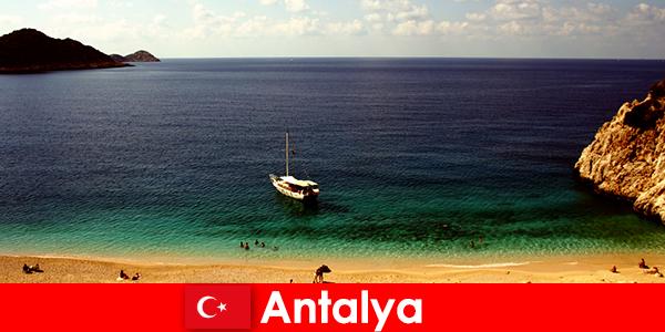 移民到土耳其到安塔利亚