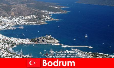 廉价移民到土耳其的博德鲁姆市