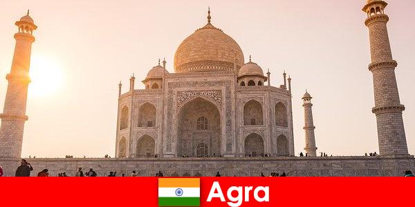 令人印象深刻的宫殿综合体在阿格拉印度是度假者的旅游提示