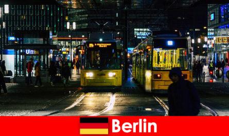 卖淫在柏林与热护送家从夜生活
