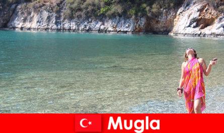 土耳其最小的省会之一穆格拉的海滩度假
