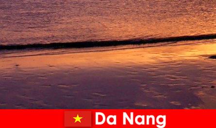 大港是位于美国中部越南,其沙滩很受欢迎