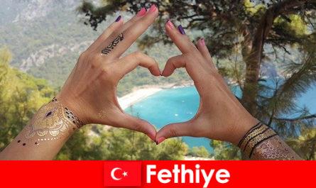 土耳其费蒂耶海滩度假对于年轻人和老年人来说总是一个梦想