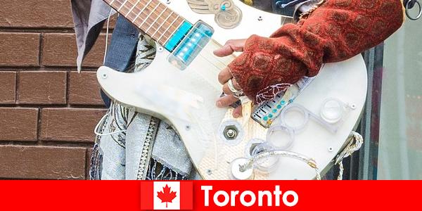 陌生人喜欢多伦多, 因为它的国际化为所有文化的音乐场景