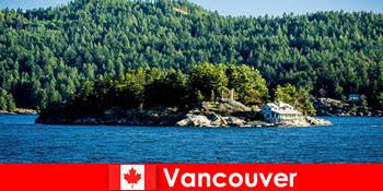 对于外国游客来说,休息一下,沉浸在加拿大温哥华美丽的自然景观中