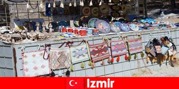 在土耳其伊兹密尔集市区为陌生人漫步体验