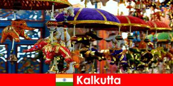 印度加尔各答五颜六色的宗教仪式为陌生人提供旅行提示