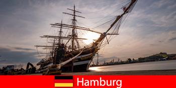 德国在汉堡港下到旅游美食鱼市场