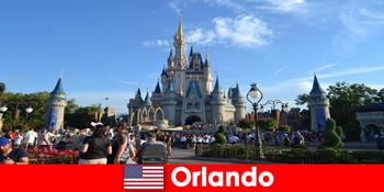 家庭度假与孩子在奥兰多迪士尼乐园美国主题公园