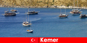 在土耳其凯默乘船为相爱的夫妇和家庭冒险之旅