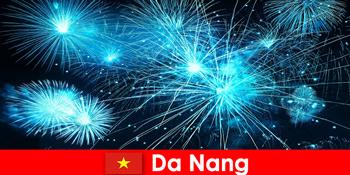 自从南越南游客在晚餐时体验到令人惊叹的火警
