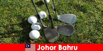 内幕提示 – 柔佛巴鲁马来西亚有许多宏伟的高尔夫球场为活跃的游客