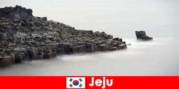 外国人探索济州韩国的热门短途旅行